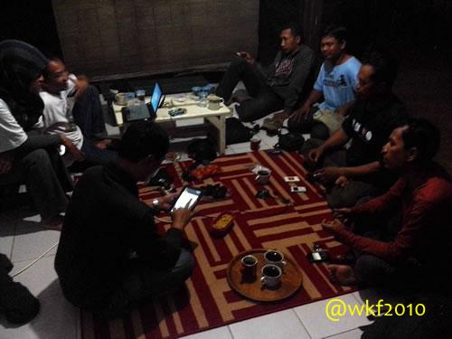 Ngopi dan ngobrol di #KandangKambing, Bogor.