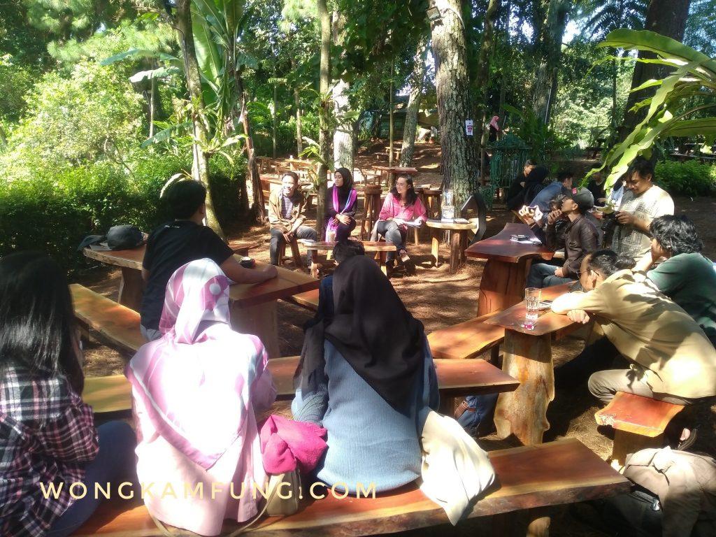 Diskusi Buku di Bandung
